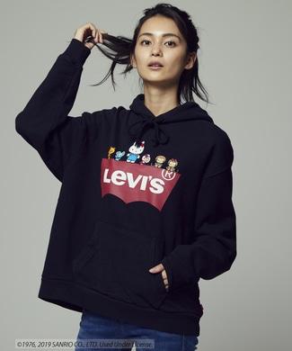 Levi's 【期間限定スウェット2枚目半額 】【Levi's×Hello Kitty】バットウイングプリントパーカー レディース ブラック