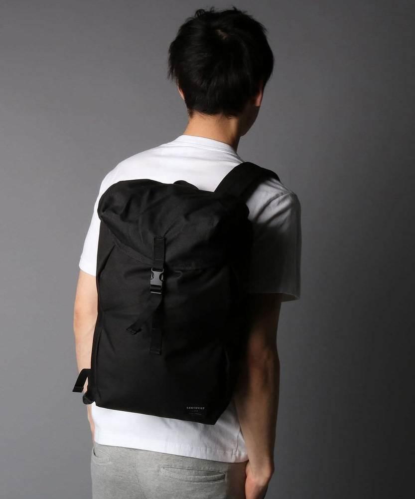 SANDQVIST 【WEB限定】フラップ付きバックパック ブラック メンズ ブラック