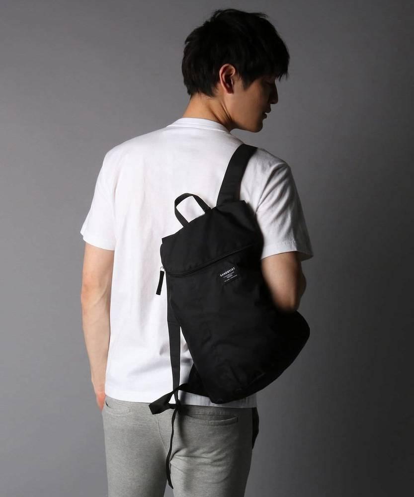 SANDQVIST 【WEB限定】ポケッタブルバックパック メンズ ブラック
