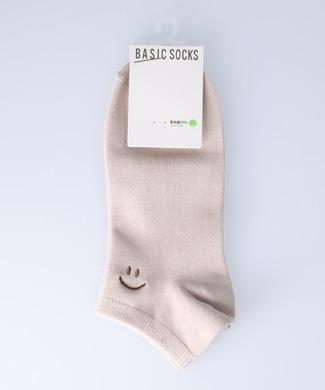 BASIC SOCKS スマイル刺繍ソックス ベージュ